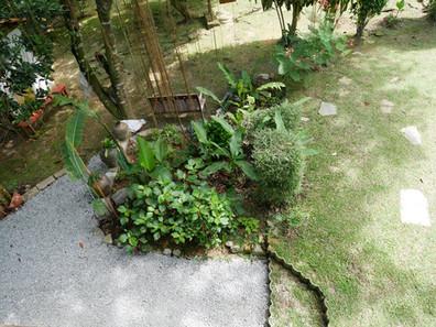 25 Garden infront of Annex.jpg