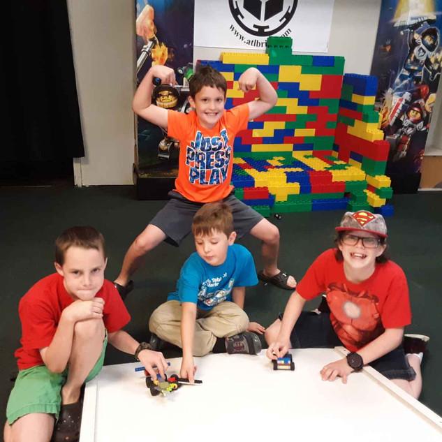 Robotics Camp 2019 - Lego Store - Totall