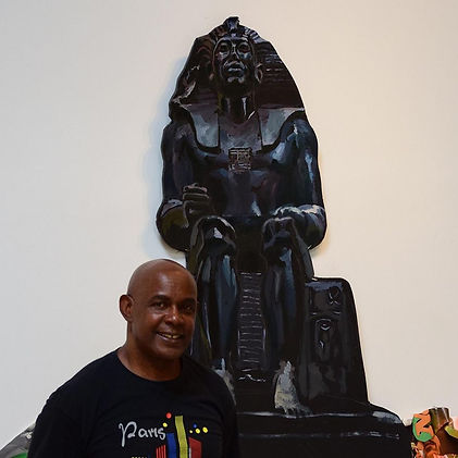 Ludlow in front of Egypt sculpture.jpg