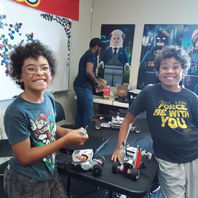 Website - Lego Robotics two funny faces