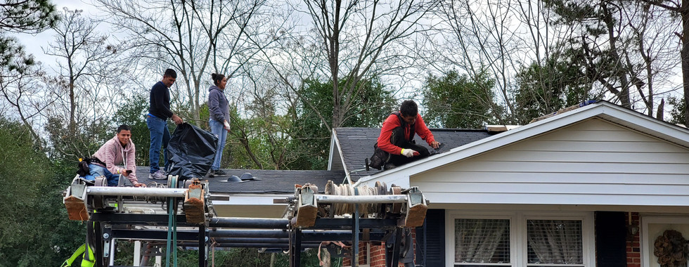 558 roofers PIC 2.jpg