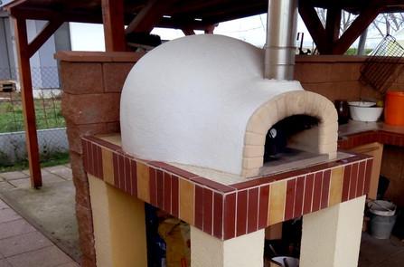 Zahradní pec na pizzu a chleba