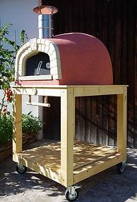 Zahradní pec na pizzu pojízdná