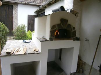 Pec na pizzu a chleba Vega