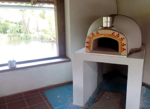 Pec na pizzu a chleba Venuše