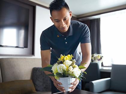 neptune-suite-service-flowers-in room-11