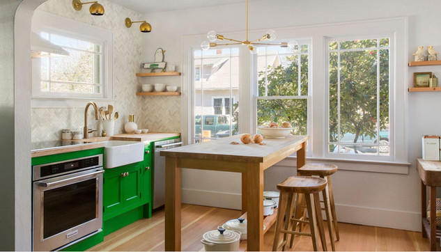 Before and After: A Dated Kitchen Gets a Functional Makeover