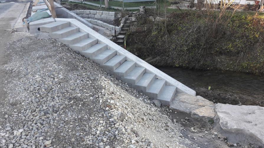 Böschungstreppe (2).JPG