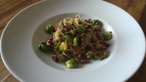 Buchweizensalat mit Rosenkohl und karamellisierten Walnüssen