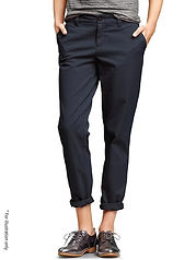 Classic pants in casual look