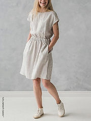 שמלה רחבה עם גומי במותן