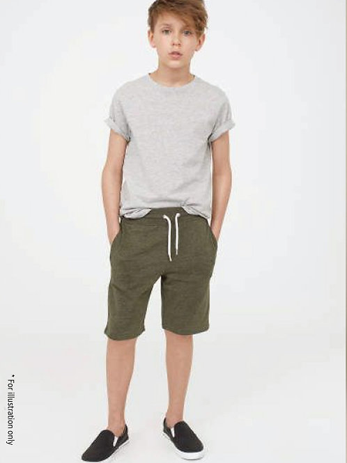 Short pants with elastic band