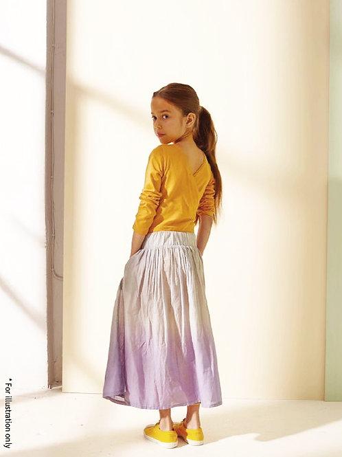 Wide gathering skirt