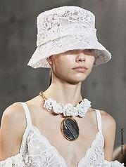 כובע קיץ בתחרה אופנתית