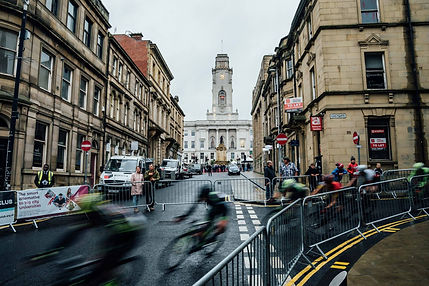 Cycle race in view of Barnsley town hall