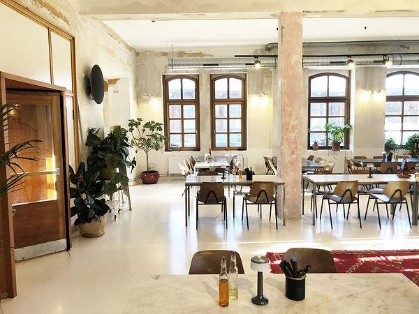 Restaurant04.jpg