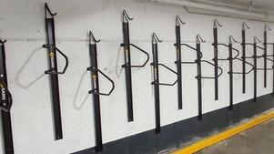 De nouveaux supports à vélos pour les locataires de la Tour de la Bourse de Montréal