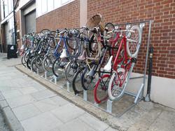 Support à vélo semi vertical