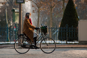 Les cyclistes contribuent davantage à l'économie urbaine que les automobilistes