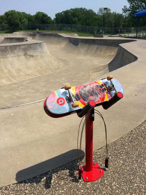 Station de réparation skateboard