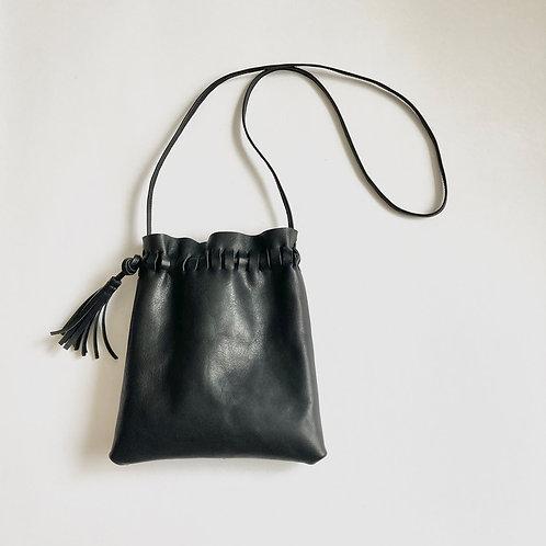 シュリンクレザーのサコッシュ | Shrink-leather Sacoche