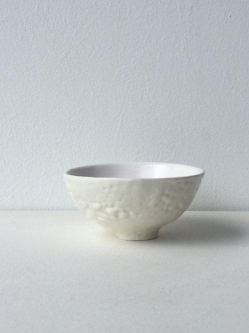 II Crawling White Teabowl