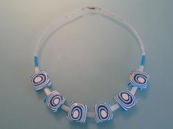 Halsketting blauw/wit