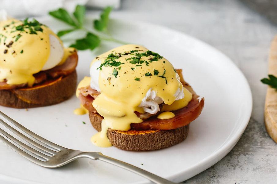 Healthy-Eggs-Benedict-4.jpeg
