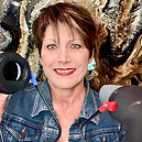 Donna Miller headshot.jpg