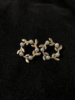 Pearl Wreaths Stud