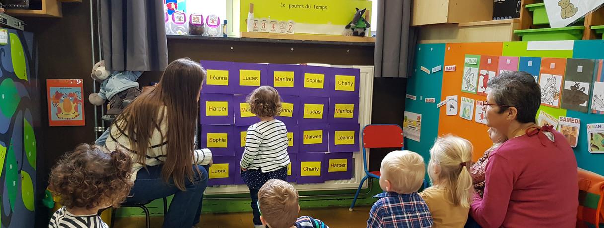 C'est un premier vers l'apprentissage de la lecture.