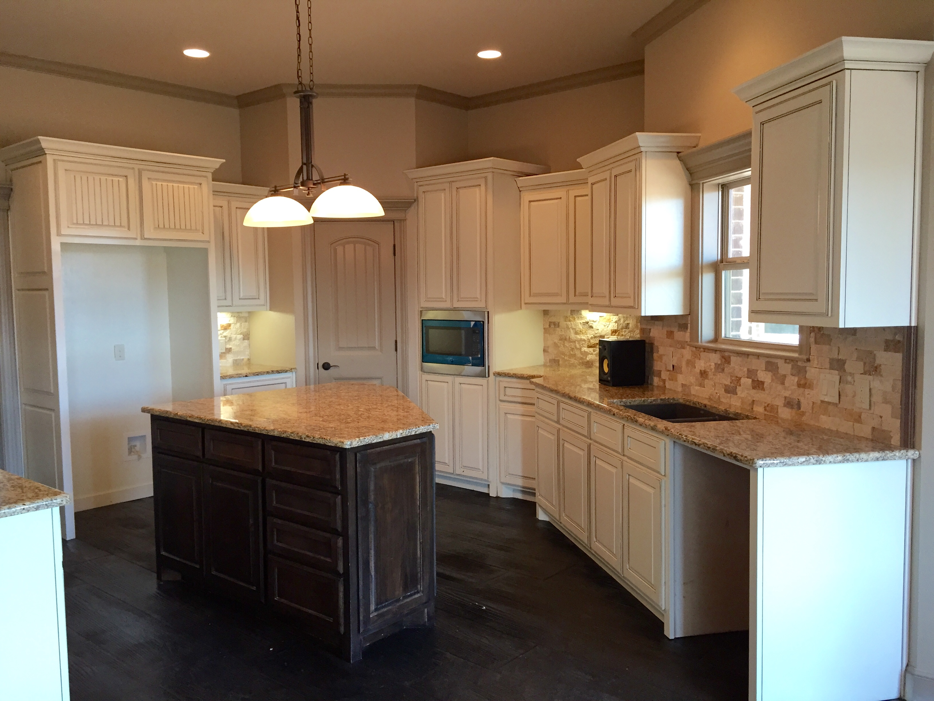 custom home | kitchen | cabinets