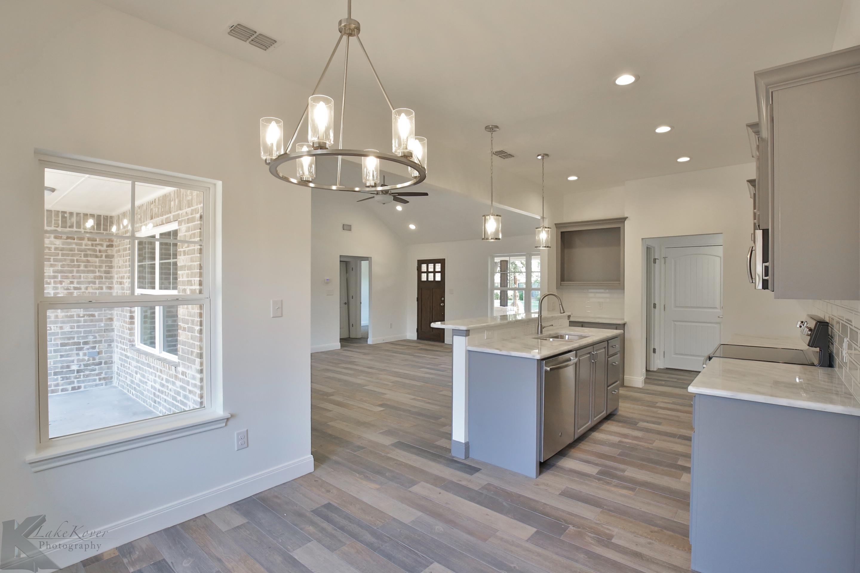 custom home | kitchen | living