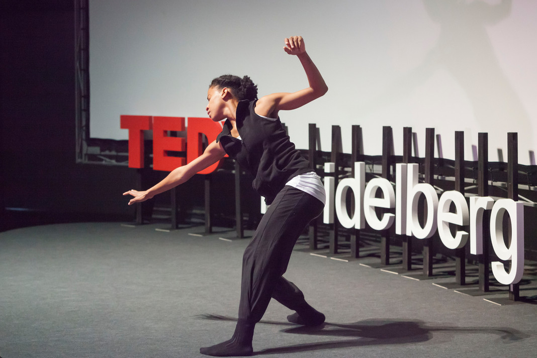 Julia Sebaga Headley