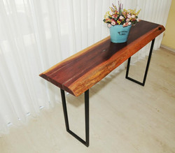 שולחן מעץ מלא