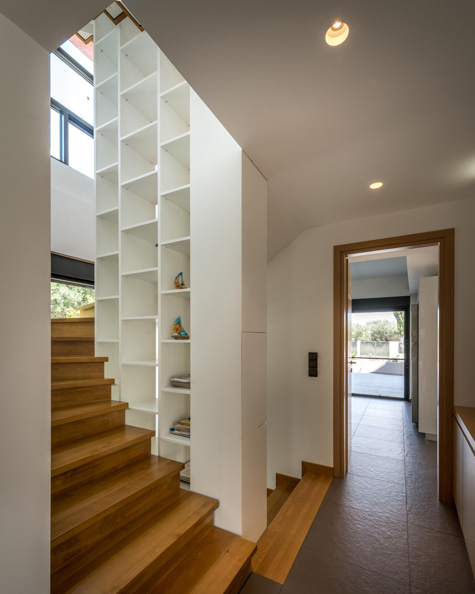 11_ISHouse