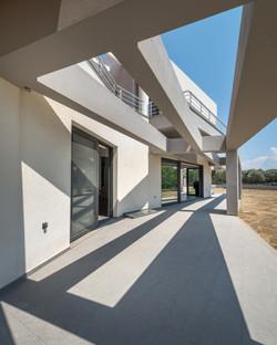 06_ISHouse