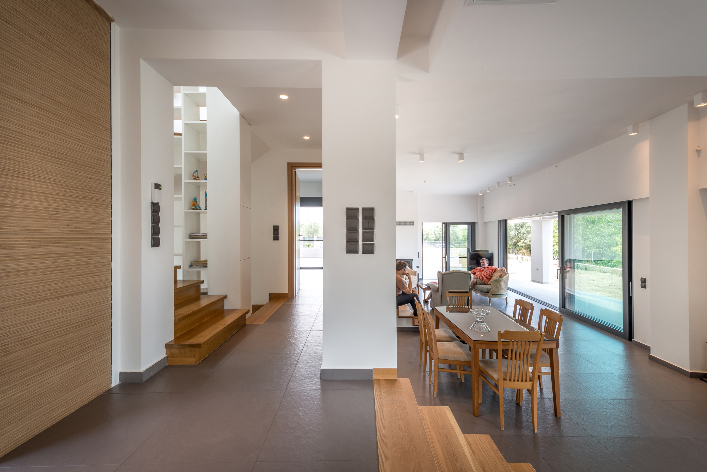 08_ISHouse