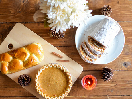 5 Ways to Throw a Friendsgiving Feast on a Budget