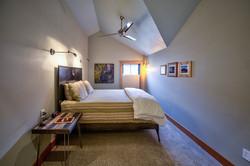 Moose room queen bed