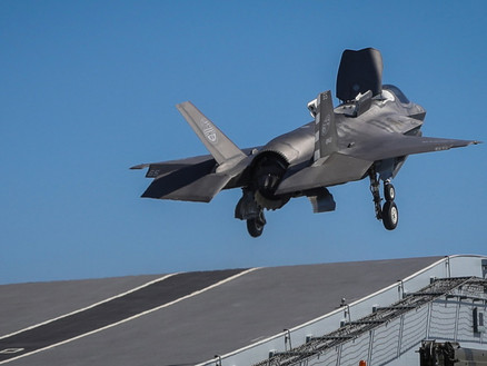 Stealth jets fight Daesh in first combat missions from HMS Queen Elizabeth