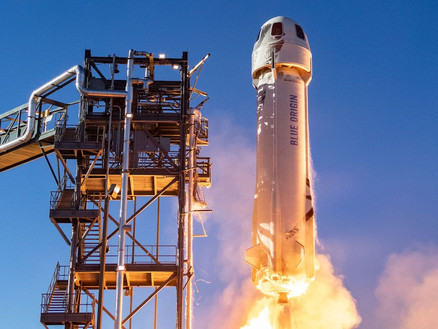 New Shepard Breaks Records on its First Crewed Flight to Space