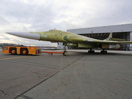 Fully Modernised TU-160M Missile Carrier Bomber Takes to the Sky