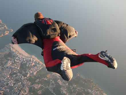 Wingsuiting – Adrenaline Amplified