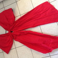 Finished bow from the front (on the kitchen floor)