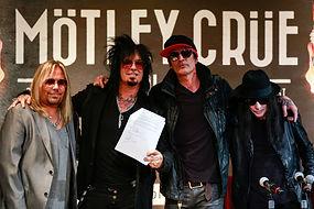 motley-crue-2014-flashback-contract.jpg