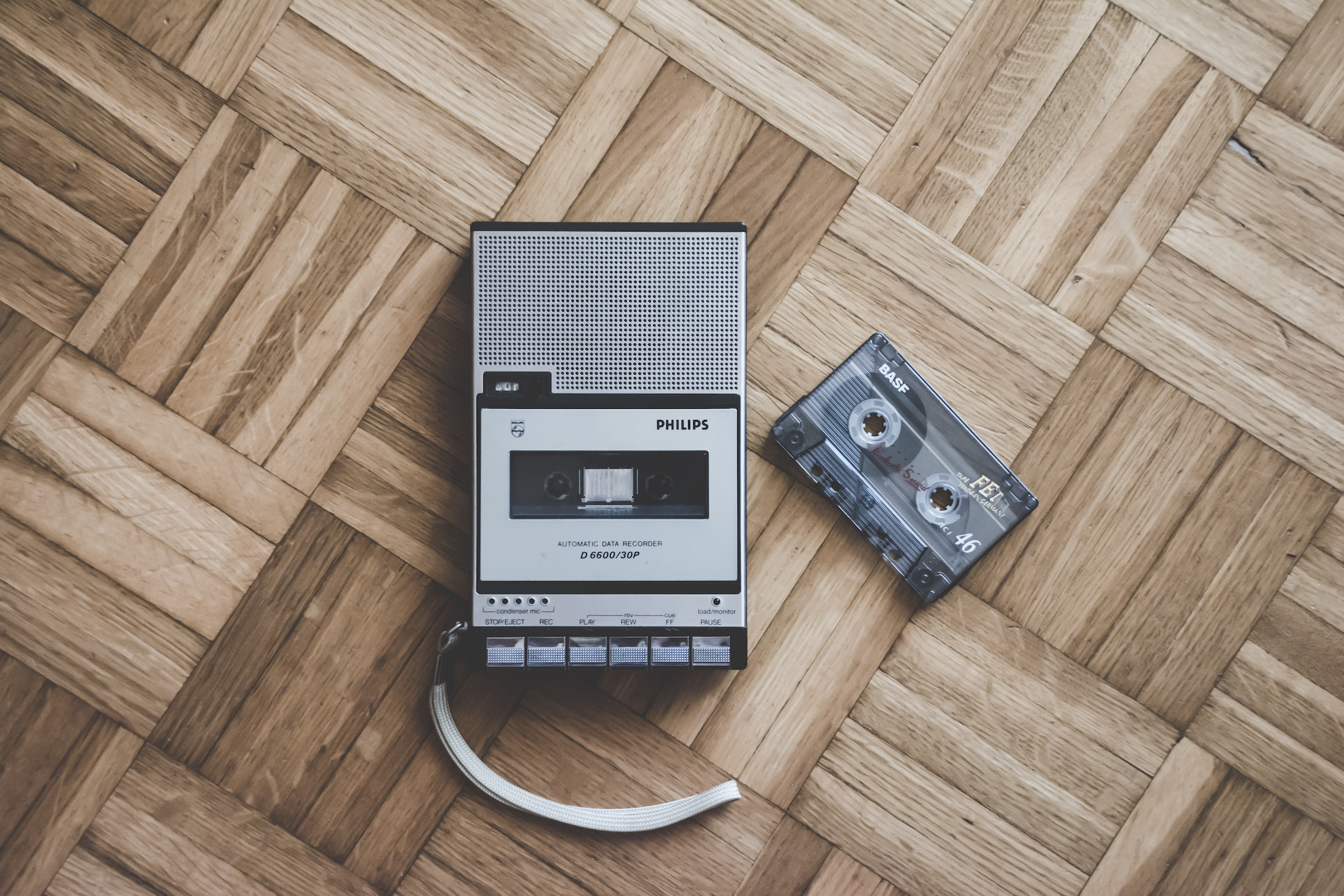 Cassette tape and player