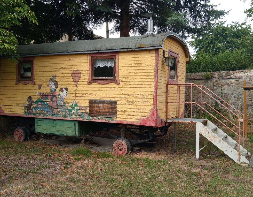 Zirkuswagen - vor Beginn der Arbeiten