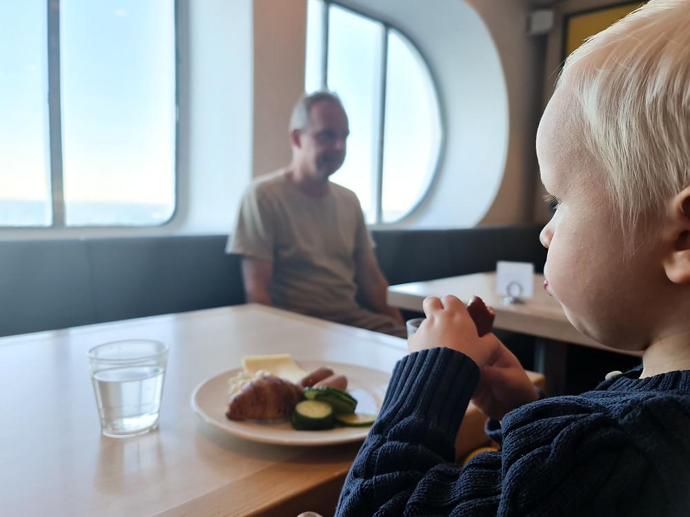 Silja Line Grande Buffet aamiainen