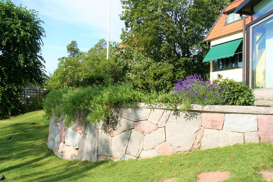 Granitmur i Djursholm